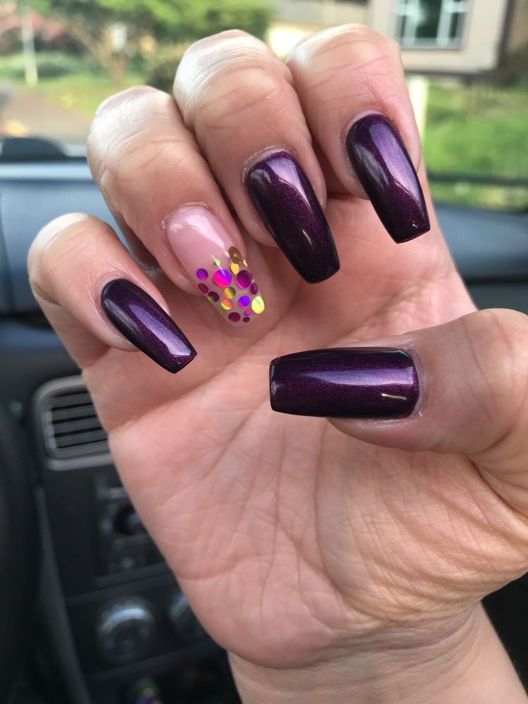 Top Nail: 2636 NE Highway 99W, McMinnville, OR
