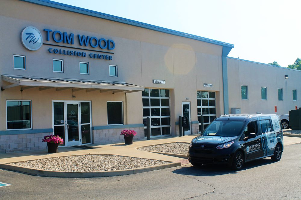 Tom Wood Collision Center   15 Photos U0026 28 Reviews   Auto Detailing   9727  Bauer Dr E, Indianapolis, IN   Phone Number   Yelp