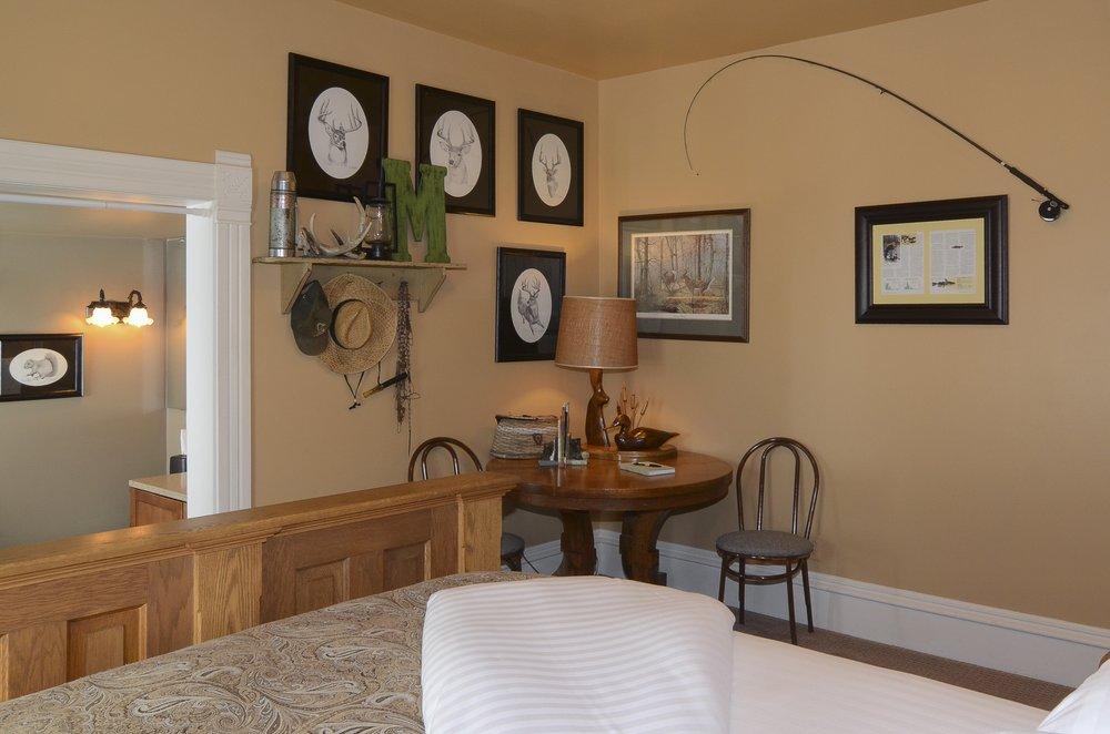 Bingham Hall Bed & Breakfast: 500 South German St, New Ulm, MN