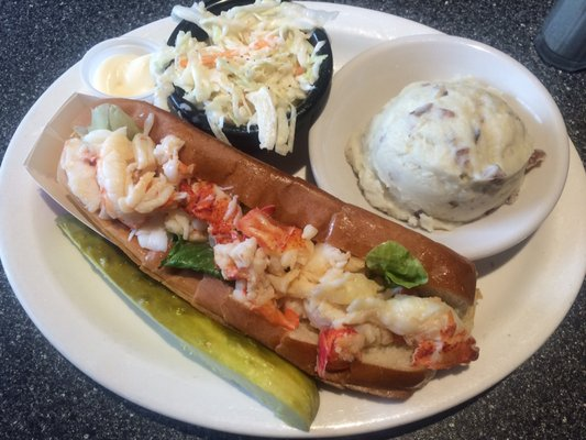 Huot S Seafood Restaurant 29 Eastern Ave Saco Me Restaurants Mapquest
