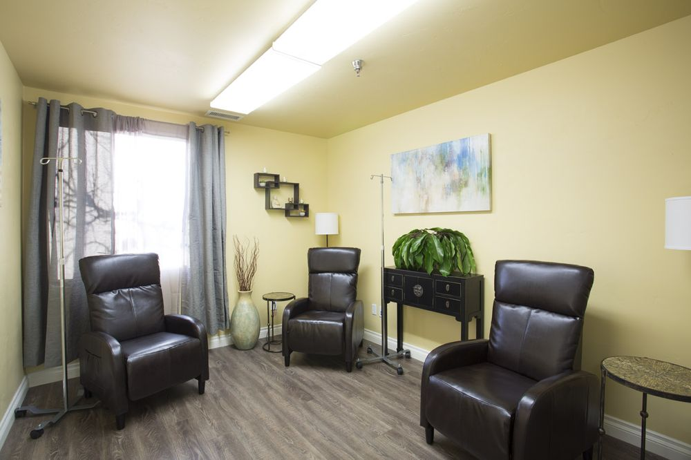 Ken Starr MD Wellness Group: 107 Nelson St, Arroyo Grande, CA