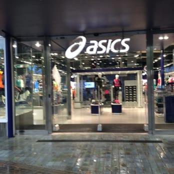 Asics - Sporting Goods - Avinguda Diagonal, 543, Les Corts ...