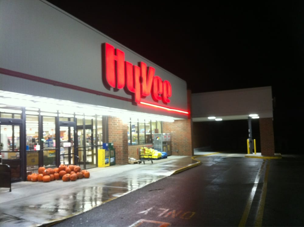 Hy-Vee Food Store: 600 Sheldon St, Creston, IA