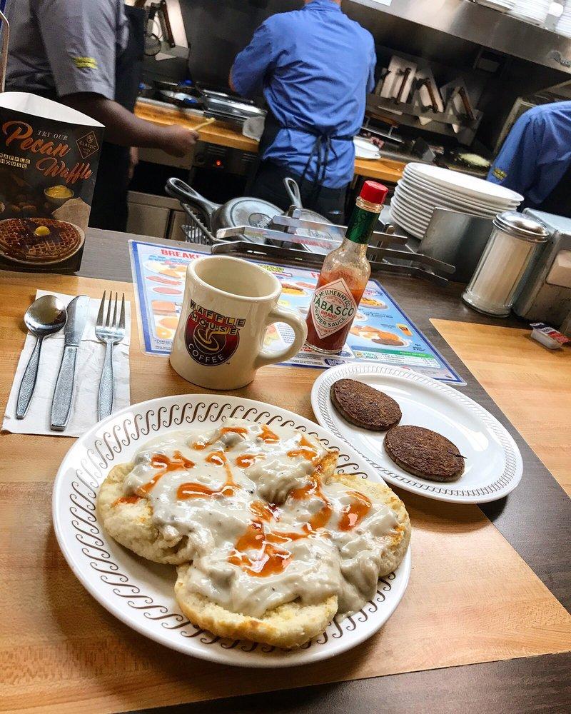 Waffle House: 1410 AR-9, Morrilton, AR