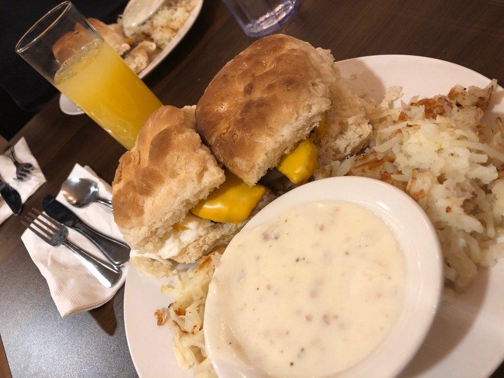 Ana's Cafe: 111 S Allen Rd, Fallon, NV