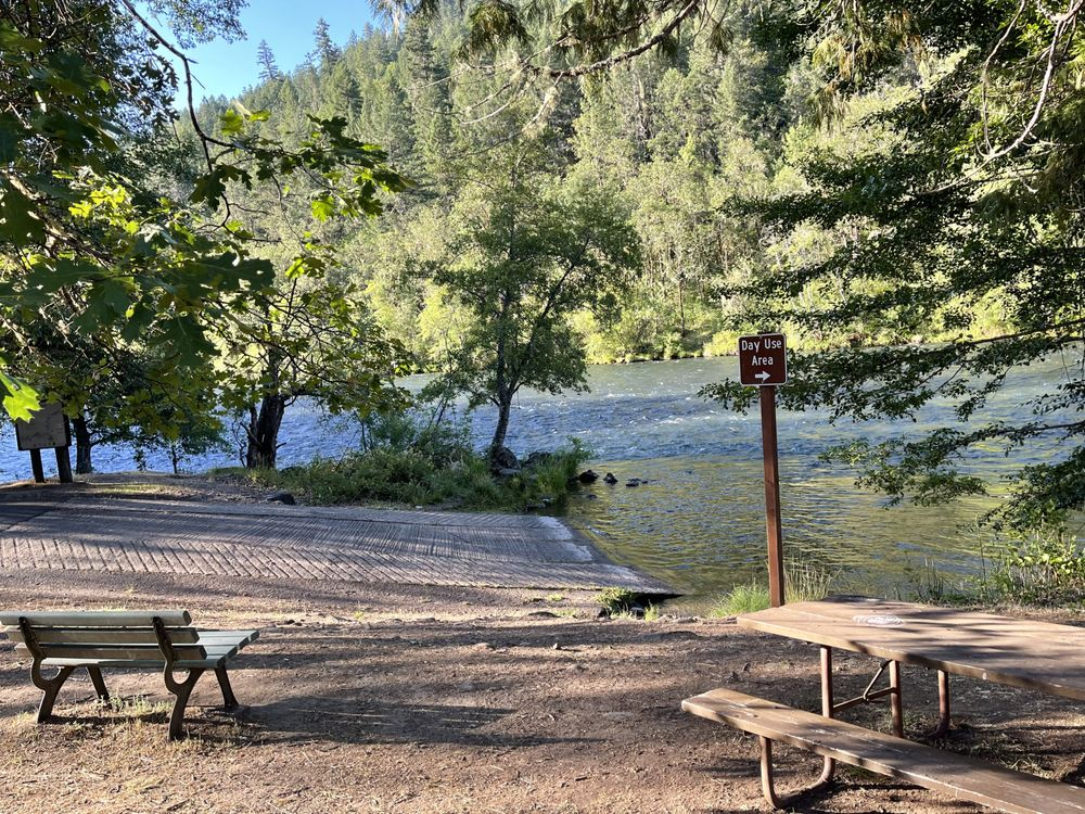 Rogue Elk Campground: 27766 Hwy 62, Trail, OR