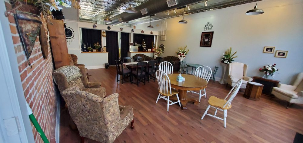 NorthStar Coffeehouse: 123 Front St, New Haven, MO