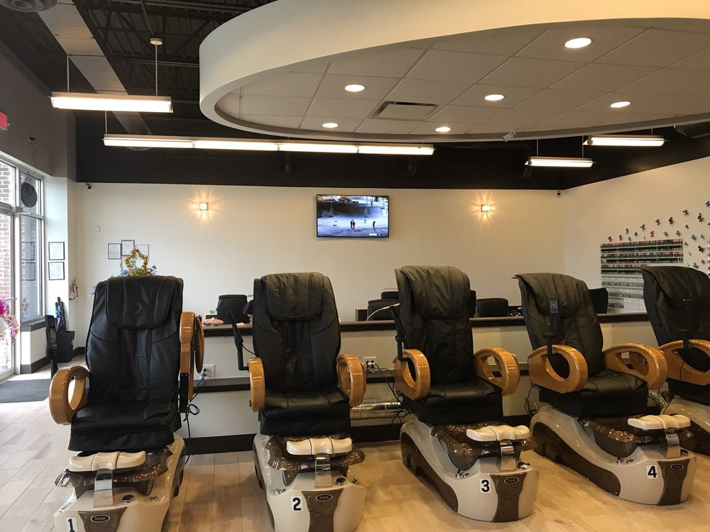 D2 Nails-Spa: 8593 Owenfield Dr, Powell, OH