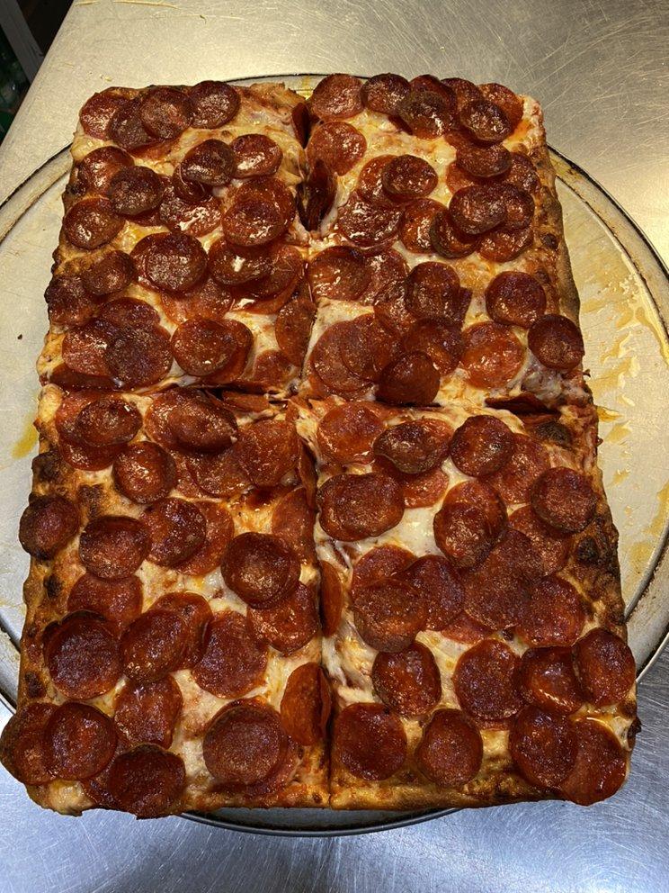Litalien Pizza And Pasta: 665 Newtown Rd, Virginia Beach, VA