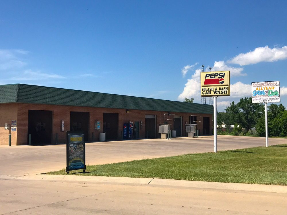 Splash & Dash Carwash: 1615 Mill St, Belle Fourche, SD