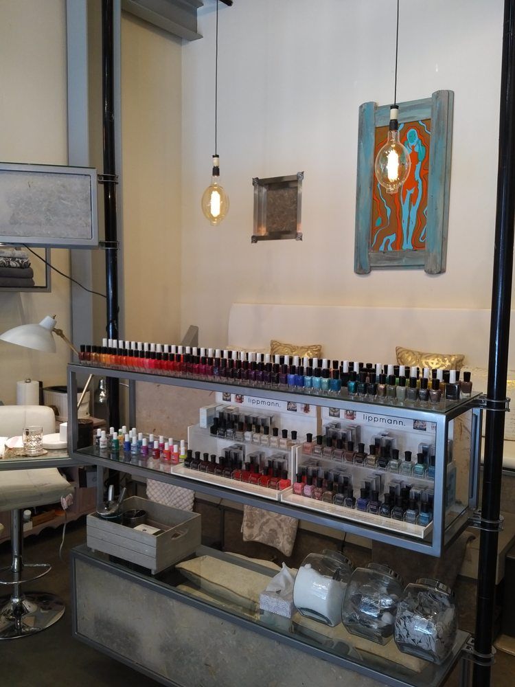 Urban Beauty Bar MD: 5 NW Minnesota Ave, Bend, OR