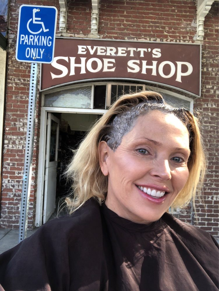 Everetts Shoe Repair: 122 Yale Ave, Claremont, CA