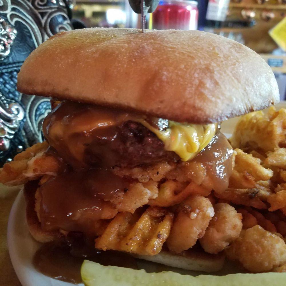 Nuckleheadz Bar & Grill: 3680 County Hwy Nn, West Bend, WI