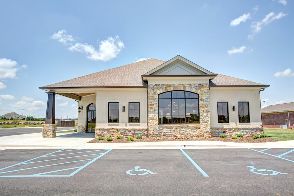 Athens Eye Clinic: 22097 Medical Village Dr, Athens, AL