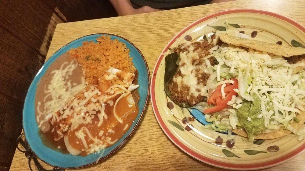 La Feria Mexican Restaurant: 116 5th Ave S, Clinton, IA