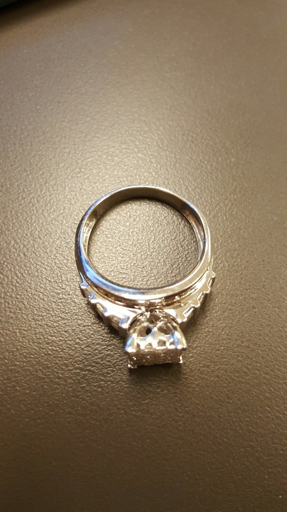Stan Johnson Jewelers: 315 Edgefield Rd, North Augusta, SC