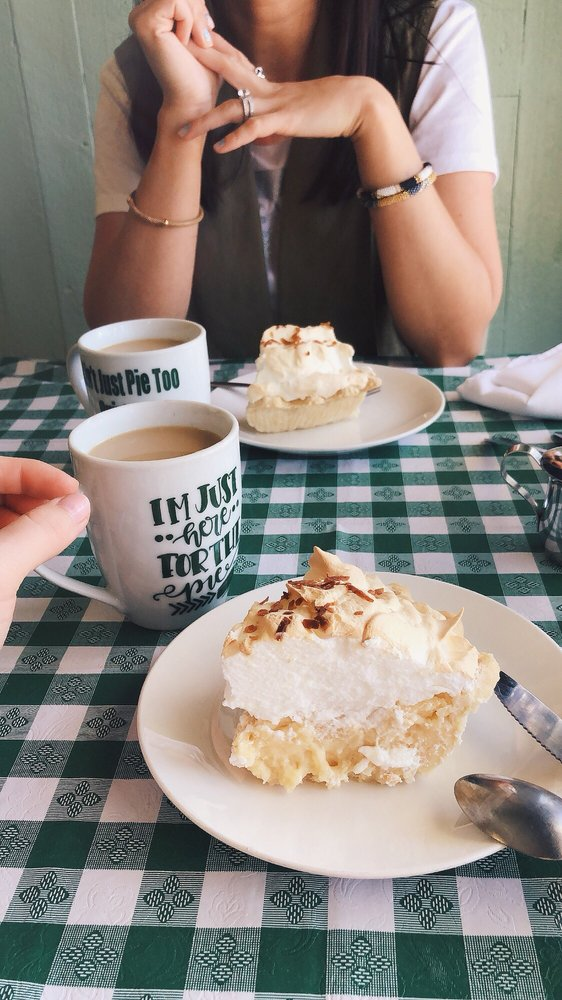 Ain't Just Pie Too: 108 W Main St, Quinlan, TX