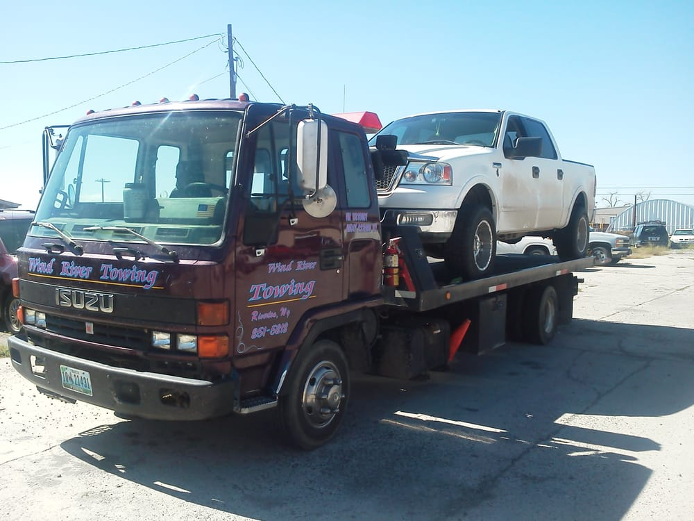 Wind River Towing: 1306 S Federal Blvd, Riverton, WY