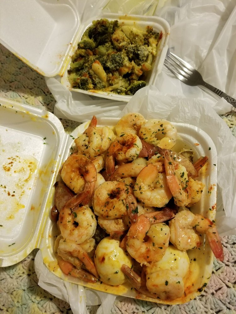 Wats Crackin Garlic Crabs: 368 Candler Rd, Atlanta, GA