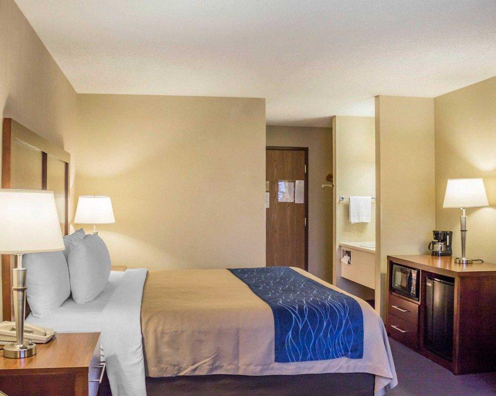 Comfort Inn: 1565 N Stephenson Ave, Iron Mountain, MI