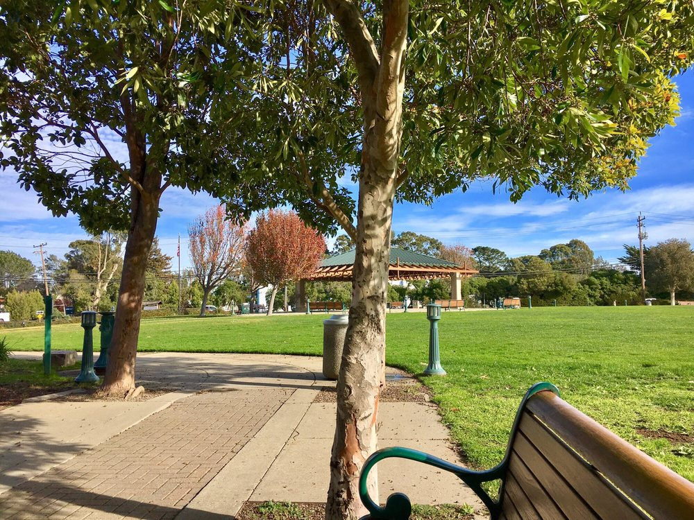 Brisbane Community Park: Old County Rd & San Francisco St, Brisbane, CA