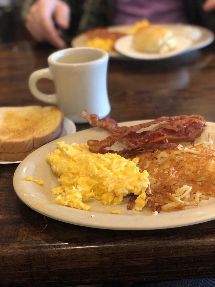 Mac's Restaurant: 1507 Hwy 19 N, Thomaston, GA