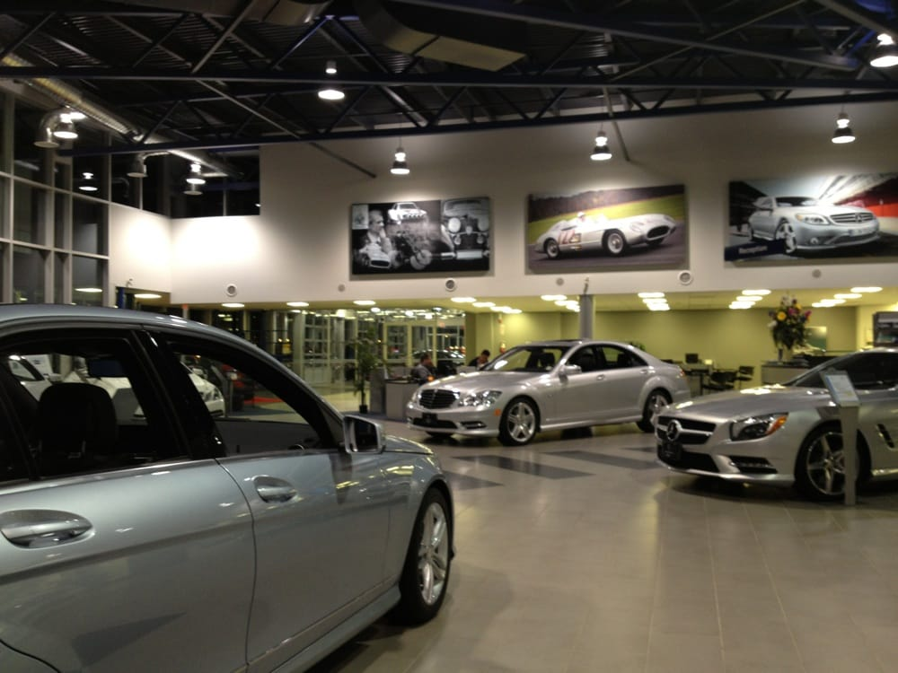 Mercedes benz oakville 11 photos car dealers 300 s for Mercedes benz car dealers