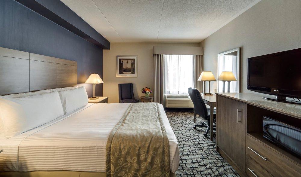Monte Carlo Inn - Oakville Suites