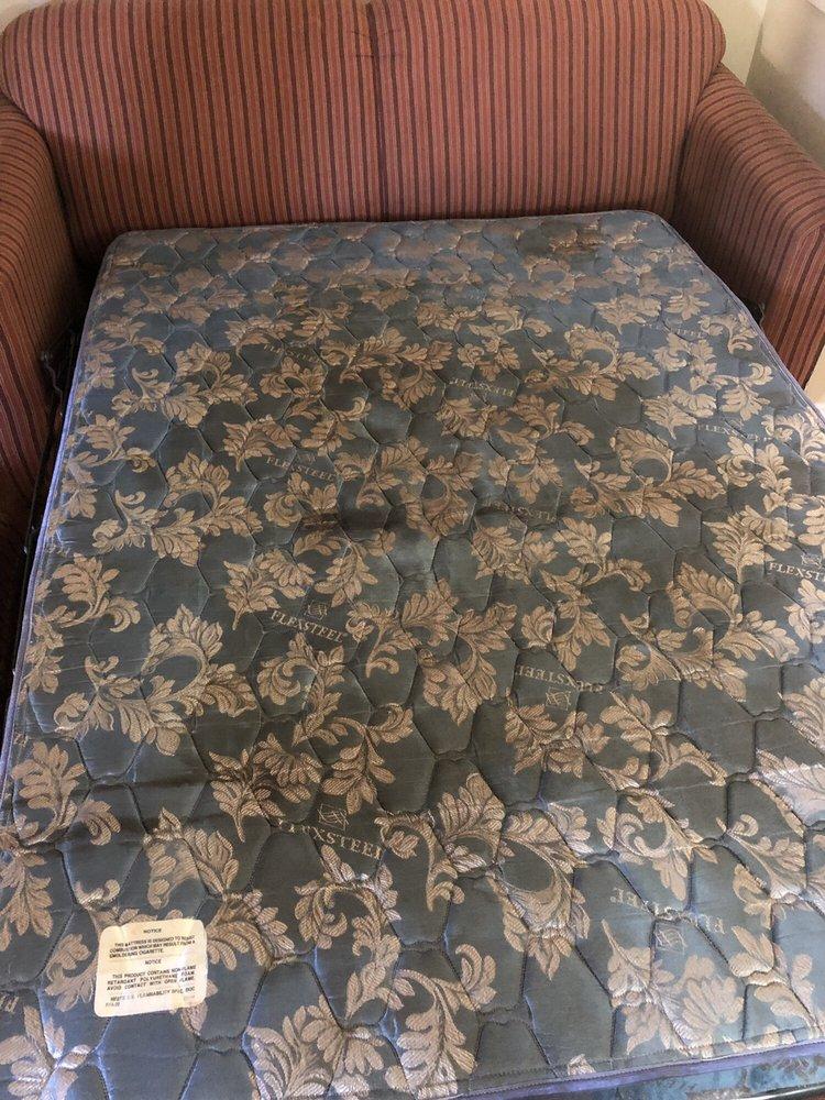 Days Inn & Suites by Wyndham Huntsville: 160 IH 45 South, Huntsville, TX