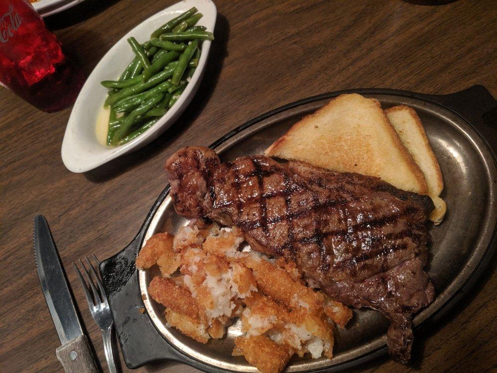 Airport Tavern & Steakhouse: 5000 N Grand River Ave, Lansing, MI