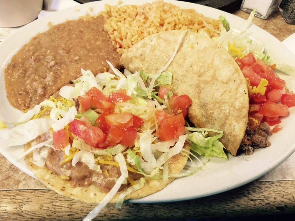 Taqueria Los Altos de Jalisco: 829 Industrial Blvd, Robstown, TX