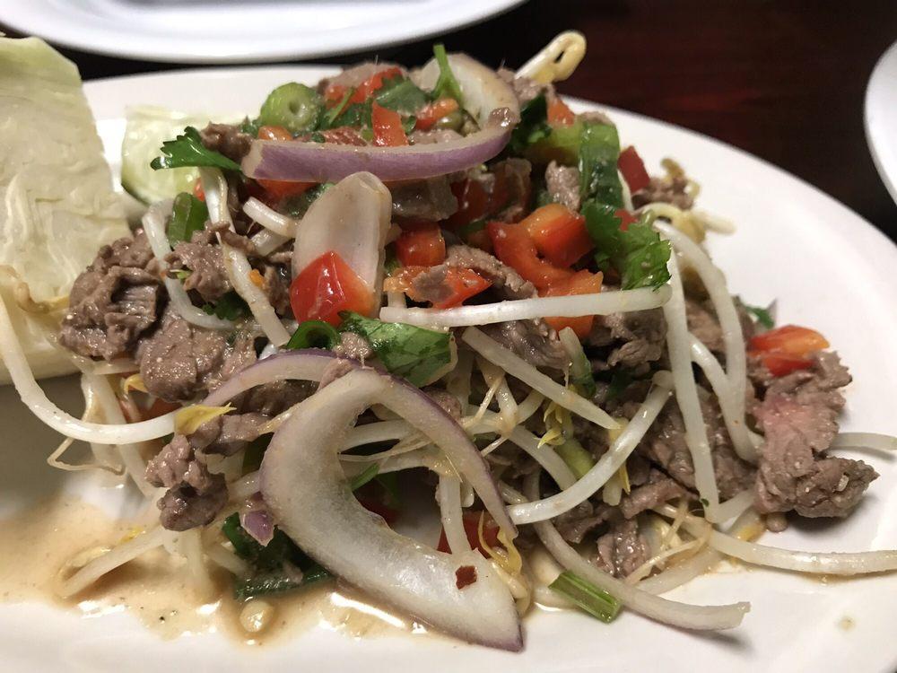 Chef Tommy Thai Cuisine: 837 Hwy 400 S, Dawsonville, GA