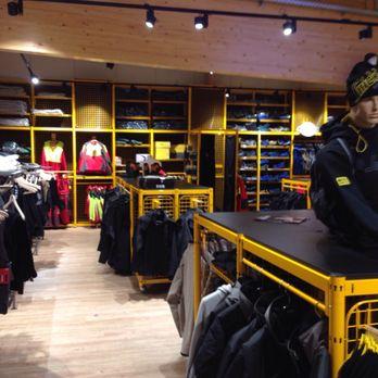 snickers workwear concept store 19 fotos uniformen. Black Bedroom Furniture Sets. Home Design Ideas