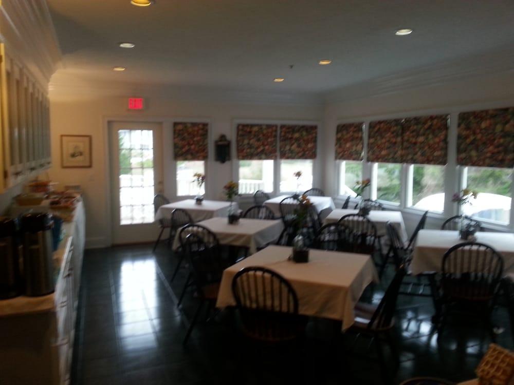 Marsh Harbor Inn & Conference Center: 21 Keelson Row, Bald Head Island, NC
