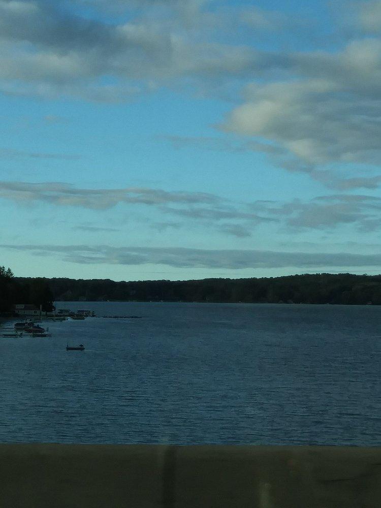 Chautauqua Lake: 30 S Lake Dr, Chautauqua, NY