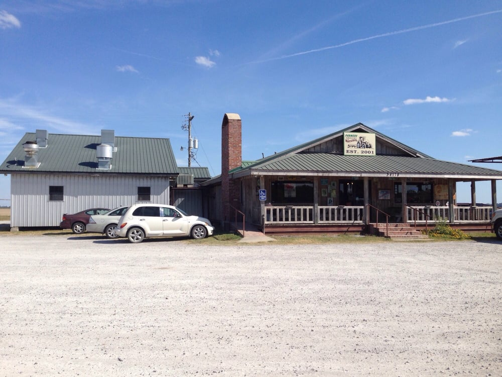 Grace Farmer's Grocery and Restaurant: 34178 Hwy 1, Grace, MS