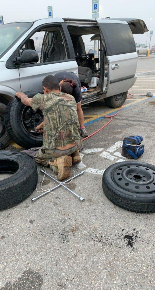 Cisneros Tire Shop: 610 W Moore Ave, Devine, TX