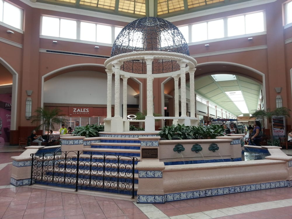 Pembroke Lakes Mall Restaurants
