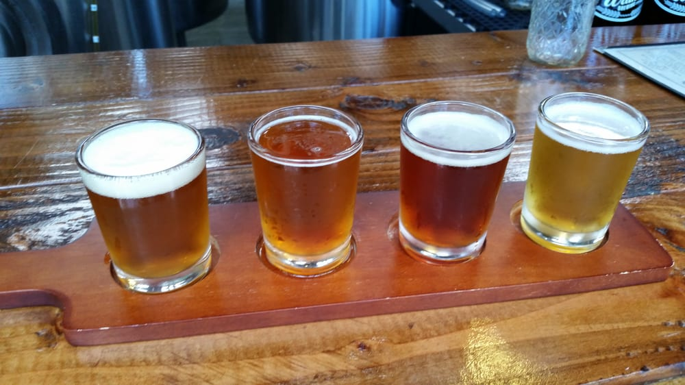 Sampler    great beer! (right to right: Aloha Spirit Blonde