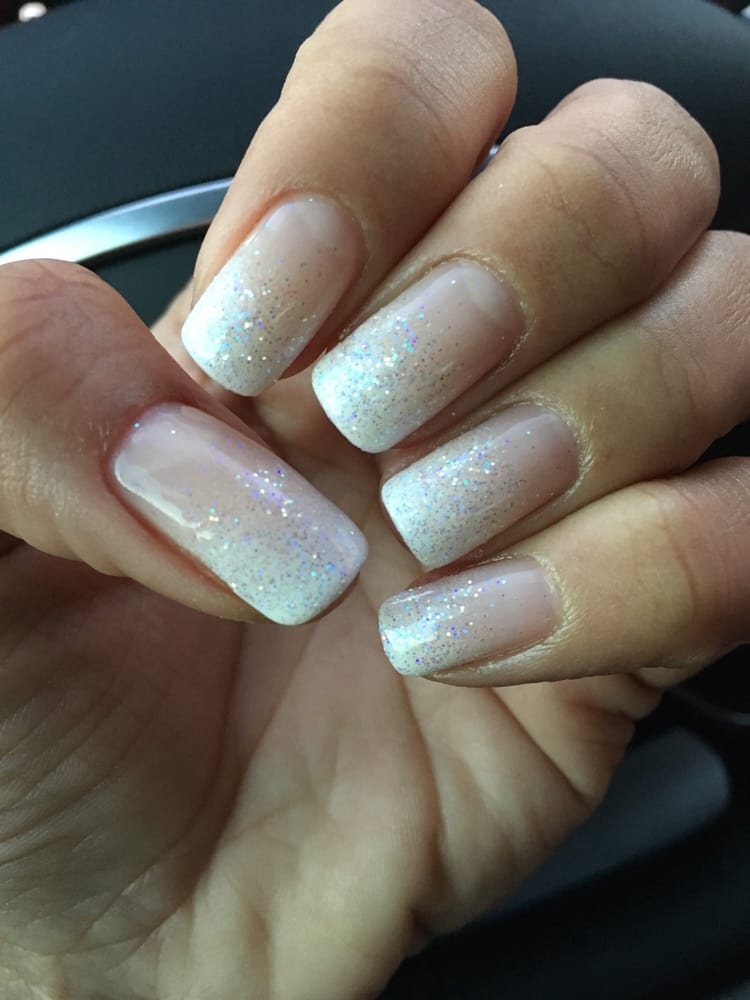 I am in love!! Gel ombré French manicure with a little glitter for ...