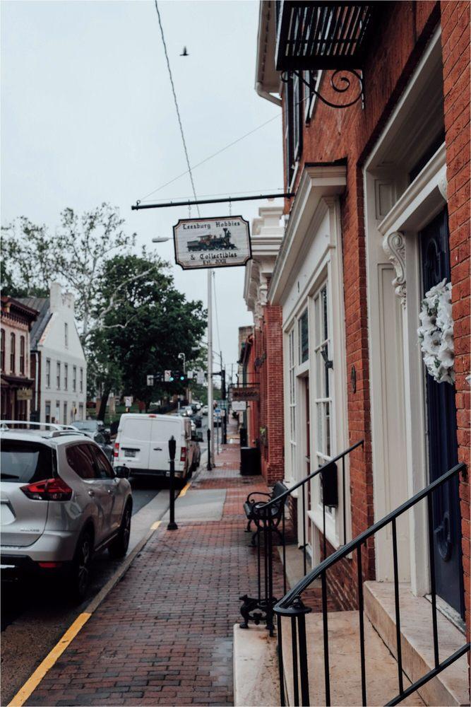 Leesburg Hobbies & Collectibles: 9 W Market St, Leesburg, VA