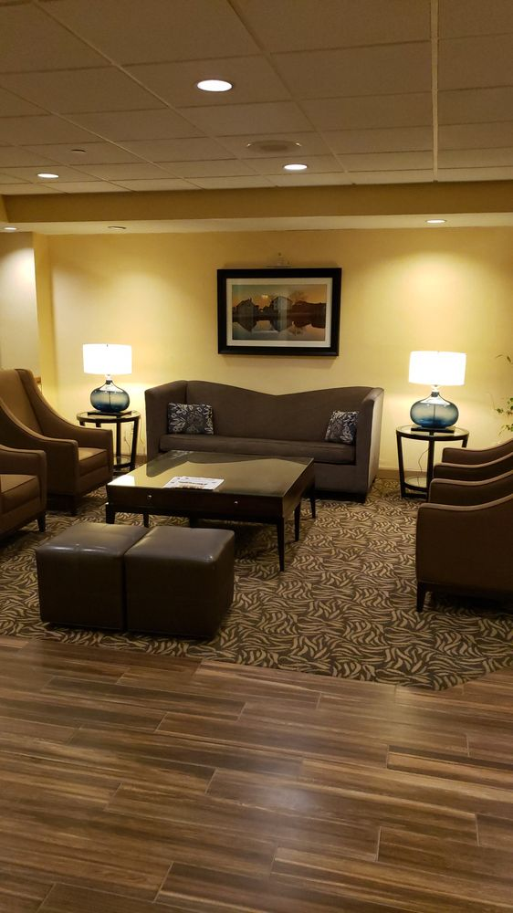 Baymont by Wyndham Groton/Mystic: 360 Route 12, Groton, CT