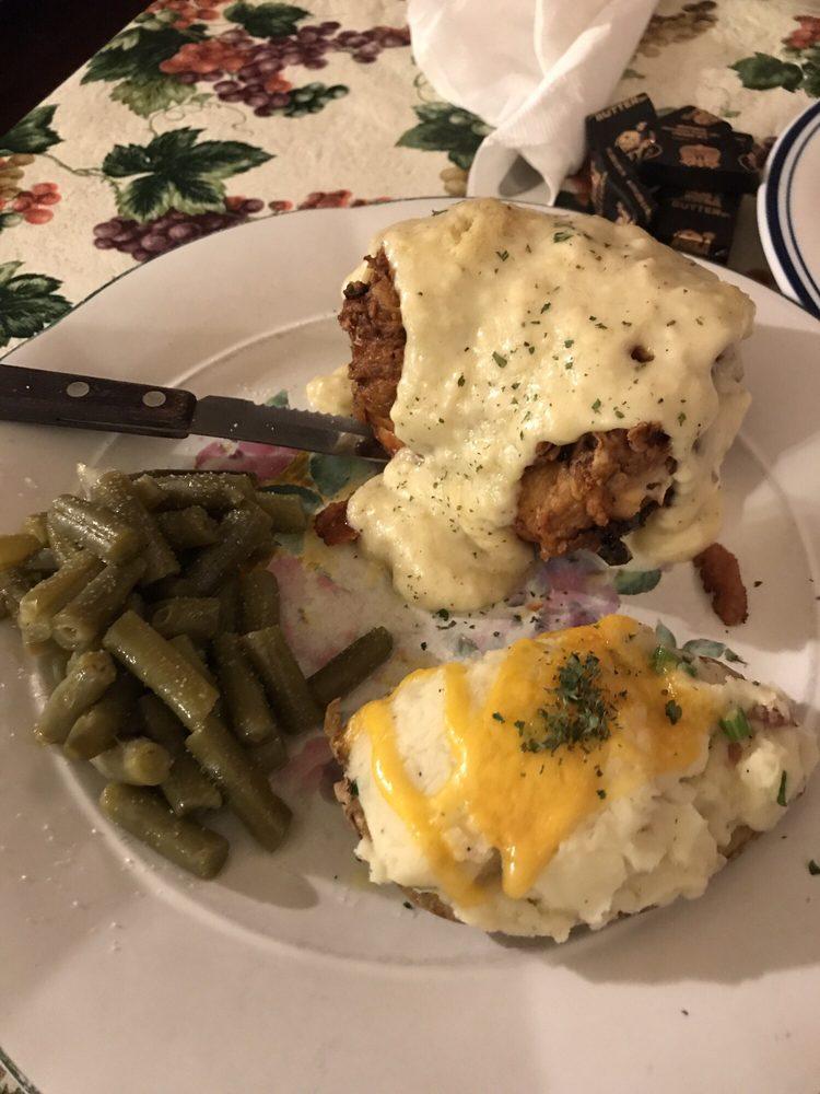 Ashleys Rose Restaurant and Bar: 5567 Walnut St, Augusta, MO