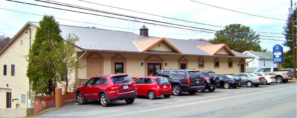 New Anchor Inn: 466 Harmony Rd, Punxsutawney, PA