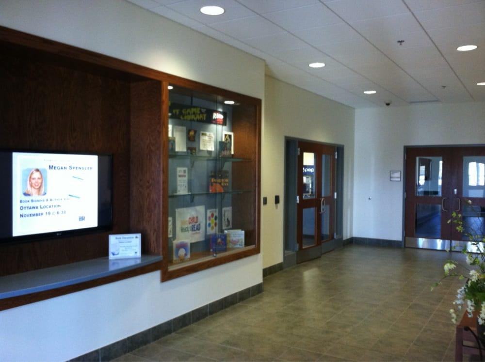 Ottawa Public Library: 136 Putnam Pkwy, Ottawa, OH