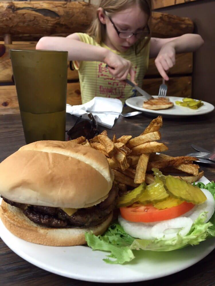 South Fourty Cafe: 401 Hwy 99, Westmoreland, KS