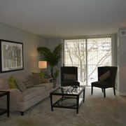 Highland House West Apartments - 18 Photos - Apartments - 4450 South ...