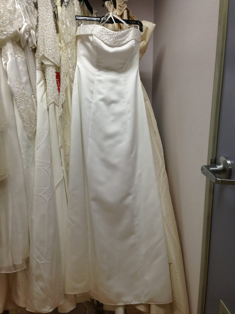 50 wedding dress from david bridal yelp for Where to donate wedding dress near me