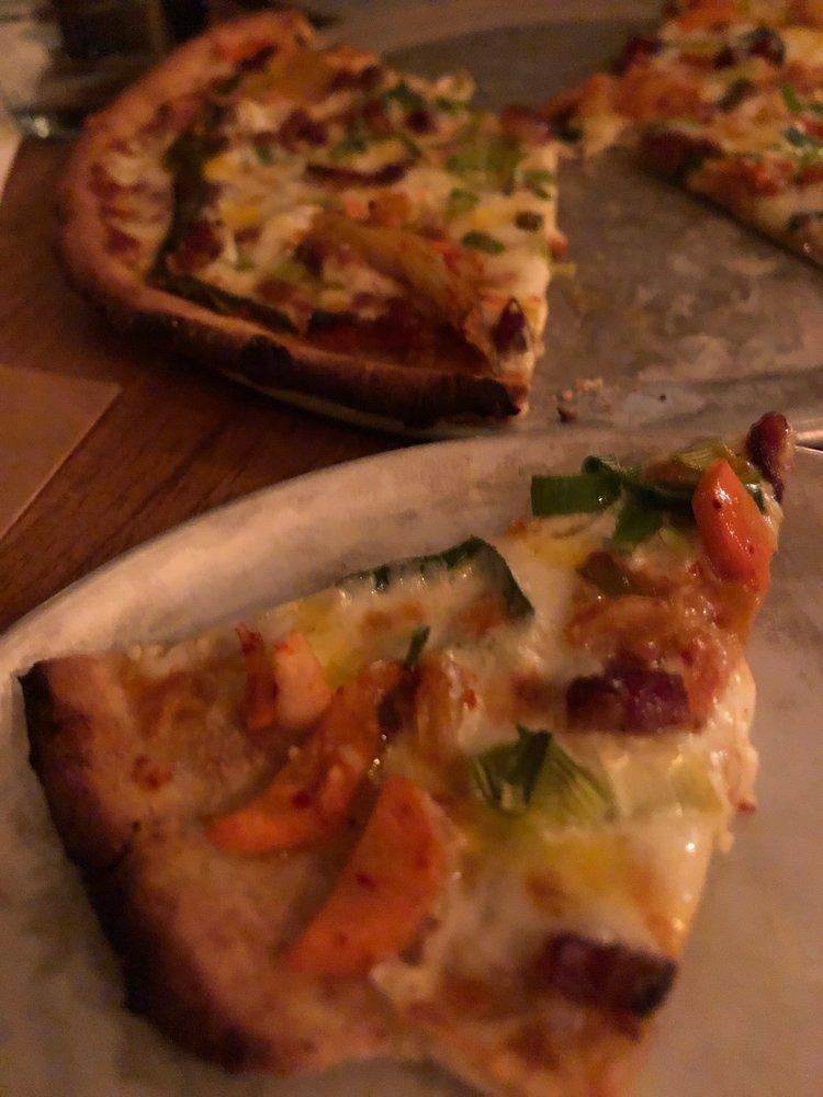 Stone's Throw Pizza: 39 Esplanade, Richmond, VT