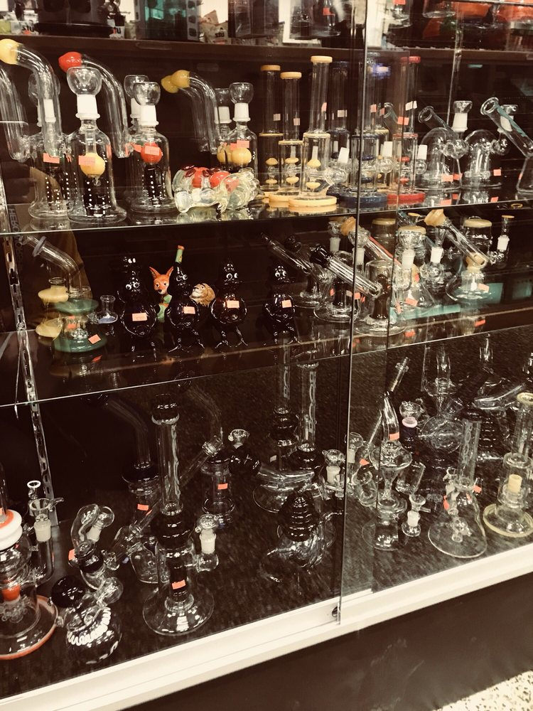 Sunrise Market & Smoke Shop: 2300 Carpenter Station Rd, Wilmington, DE